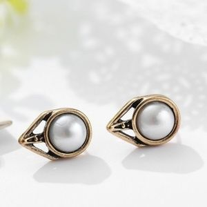 Jewelry - NEW - Faux Pearl Earrings - SILVER